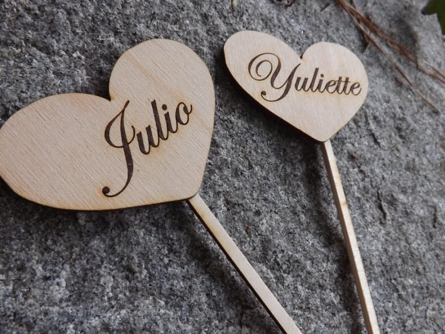 Mariage - Heart Shaped Rustic Wood Cake Toppers, Wedding Favors, Rustic Wedding, Vintage Cake Toppers, Personalized