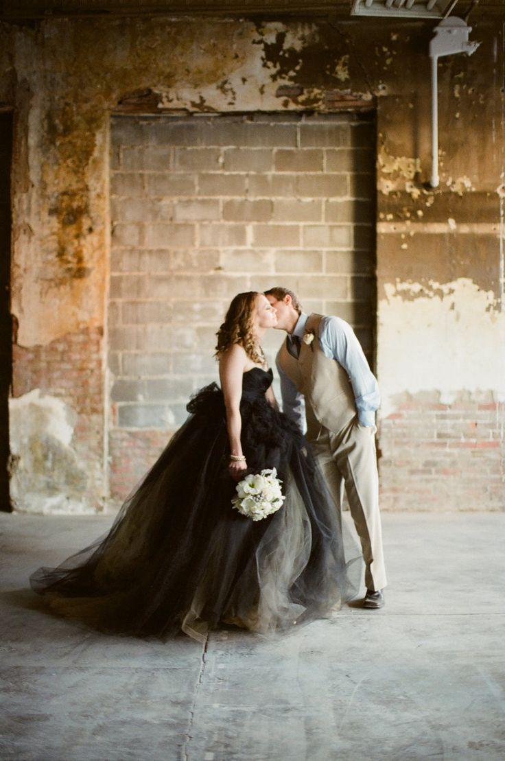 Свадьба - Fashion-Forward Brides We Love