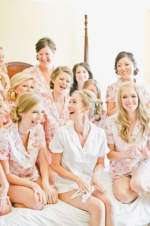 Hochzeit - When To Ask Bridesmaids To Be In Wedding