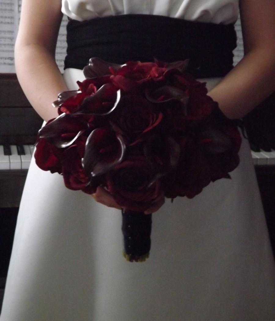 Wedding - Black magic, dark burgundy open rose and calla bridal bouquet