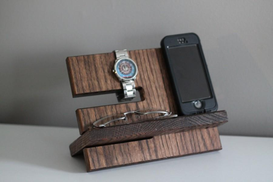 Hochzeit - LEFT HANDED Night Stand Oak Wood Valet iPhone Galaxy Charging Stand Nightstand Dock Graduation Father's Day Birthday For Him