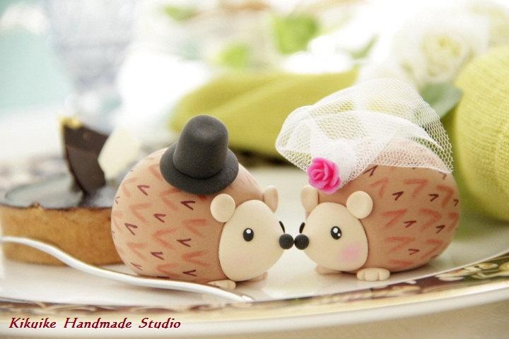 Mariage - Hedgehog ,porcupine Wedding Cake Topper---k764