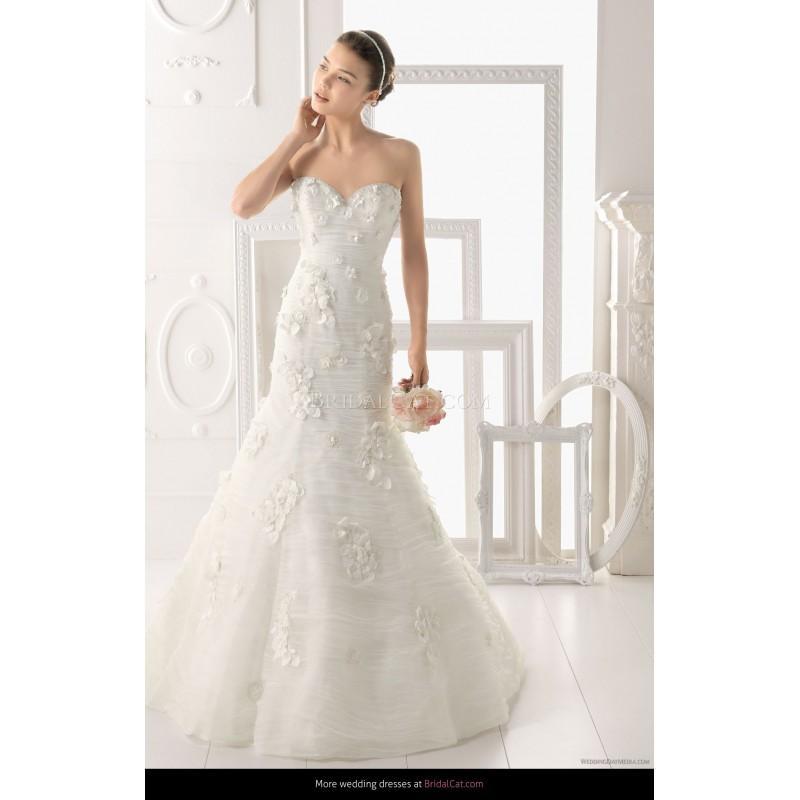 Nozze - Aire Barcelona 2014 154 Opalo - Fantastische Brautkleider