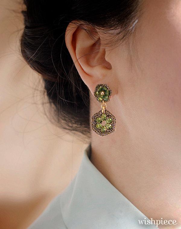 Свадьба - PERIDOT GREEN JEWELRY / gift ideas for women / light green dangle post earrings / dressy earrings / hypoallergenic earrings
