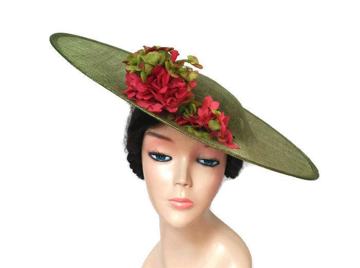 Mariage - Coral and green hat with flowers-Flower hat coral-Green wedding hats-Floral ascot hats-Green derby hats-Ladies hats coral-Tea party hats-