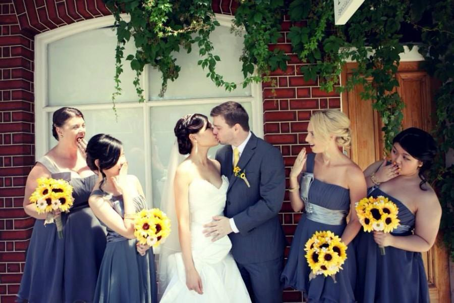 Hochzeit - 17 Piece Sunflower Wedding Bouquet Set, Daisy Sunflower Bridal Bouquet, Sunflower Bouquet, Rustic Bouquet, Rustic Wedding Yellow Sunflowers