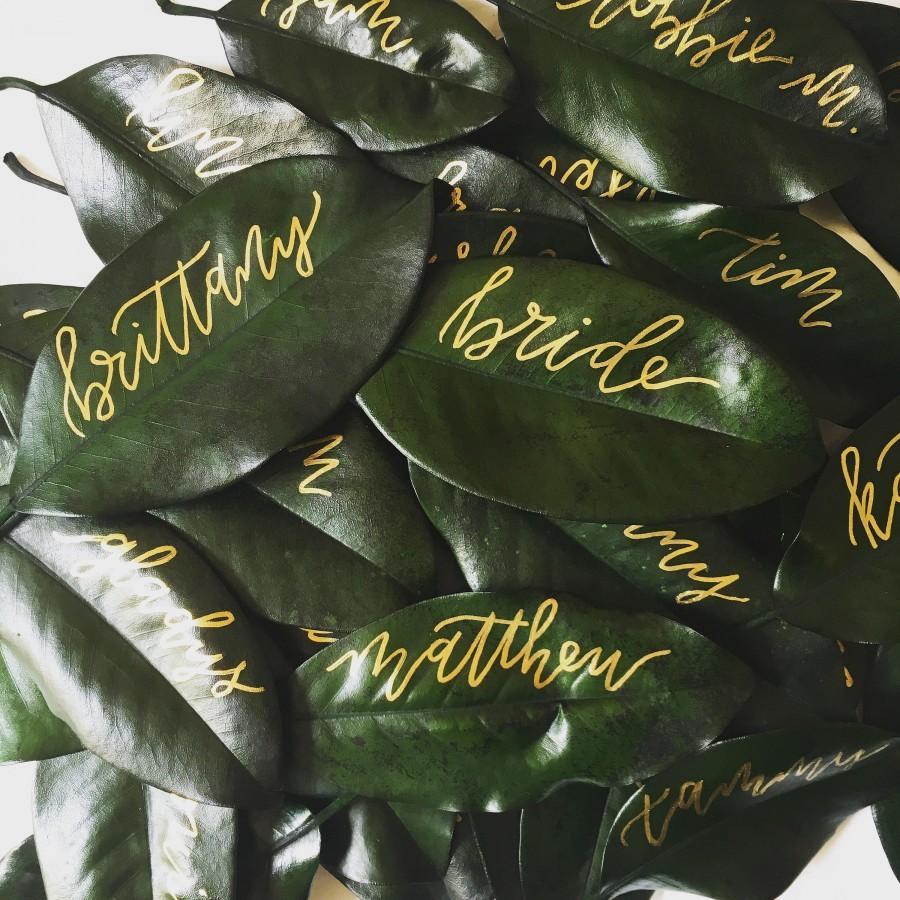 Hochzeit - Magnolia Leaf Place Cards, Place Card, Escort Card, Leaf Place Card, Magnolia Place Card, Southern Wedding Escort Cards, Custom Escort Card