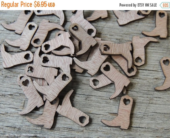 Mariage - FLASH SALE 100 Wood Cowboy Boots 3/4 inch tall, Little Wooden Confetti Engraved Boots - Rustic Wedding Decor- Table Decorations- Small Woode