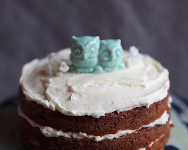 زفاف - Two Tiny Owls in Porcelain with mint green Glaze - Wedding Cake Topper