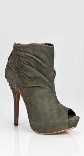 زفاف - Shoes Glorious Shoes