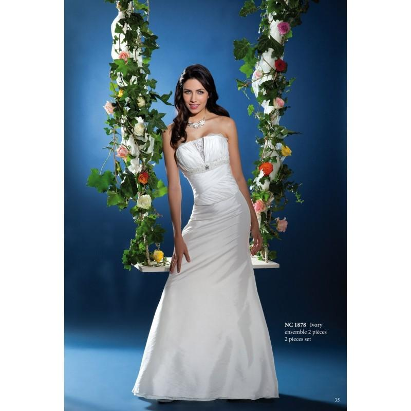 nana couture nc 1878 superbes robes de mari e pas cher 2725911 weddbook. Black Bedroom Furniture Sets. Home Design Ideas