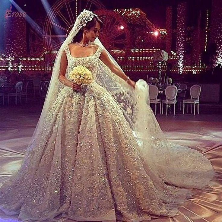 Luxury Princess Scoop Neck Vintage Wedding Dress With Chapel Train