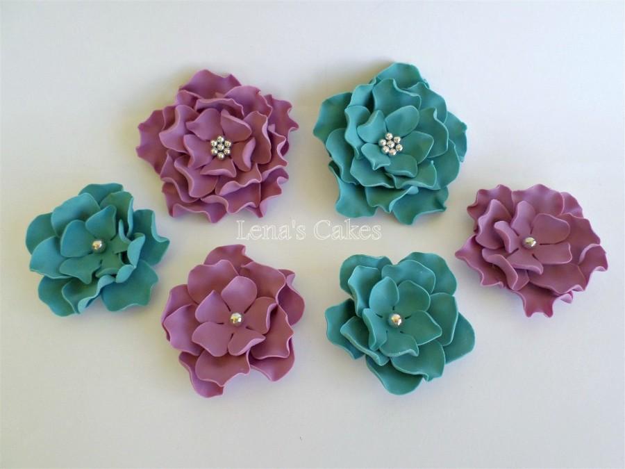Mariage - 6 Sugar Flowers for Cakes, Edible Fondant Flowers Roses Gumpaste, Teal Wedding Purple, Fondant Cake Topper Edible, Vintage Party Decor Rose