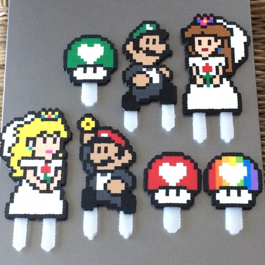 زفاف - Mario themed 8-bit Cake Toppers - your choice of characters - LGBT friendly! Customizable!