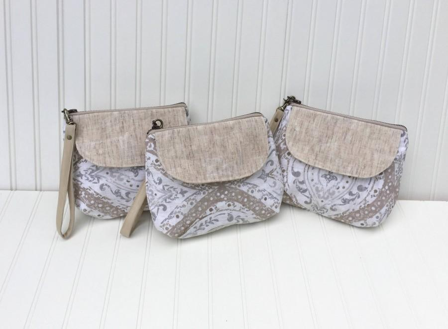 Mariage - Small Waxed Canvas, Linen & Leather Bridesmaid Gifts, Bridesmaid Clutches, Wristlets