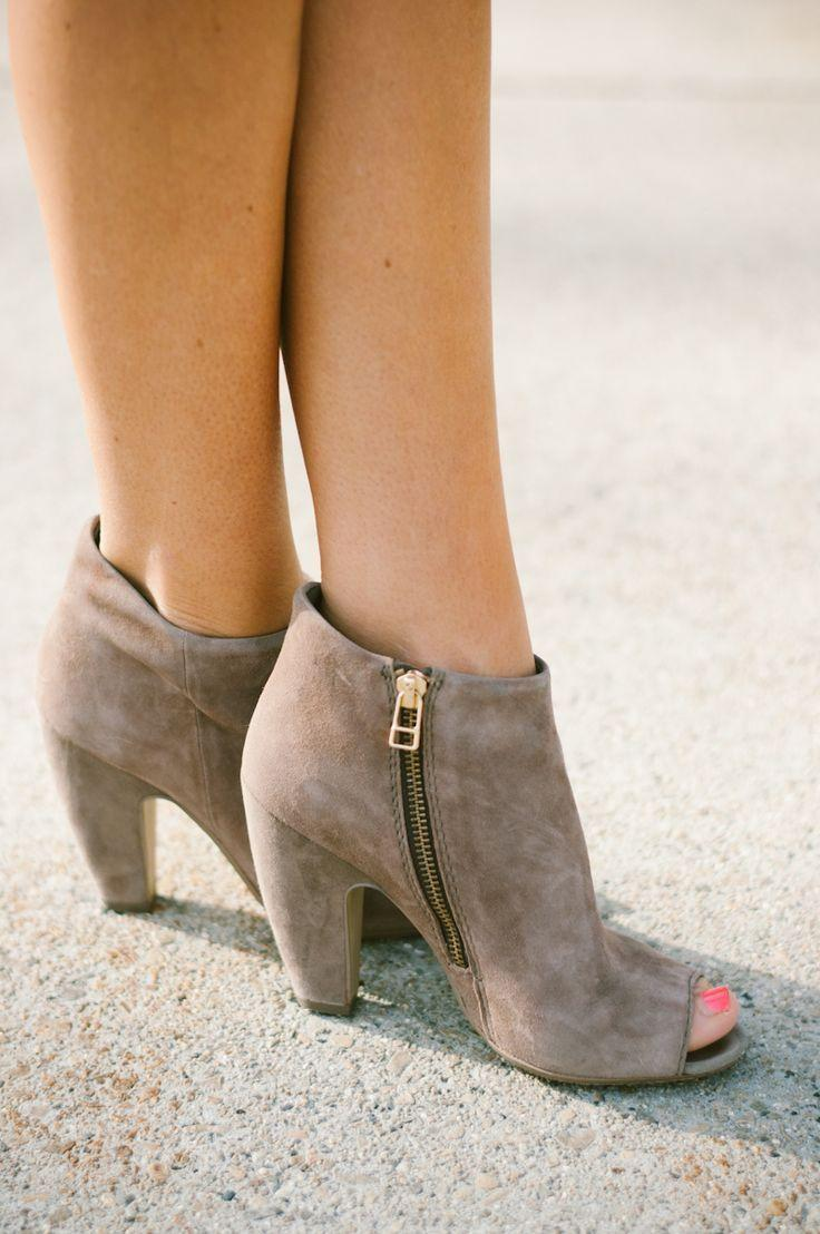 Hochzeit - 20 Different Kinds Of Ankle-High Booties