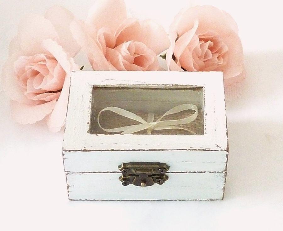 Hochzeit - Wedding Ring Box Ring Bearer Pillow Box White Ring Pillow Rustic and Shabby Chic Wedding Pillow, Burlap Ring Box