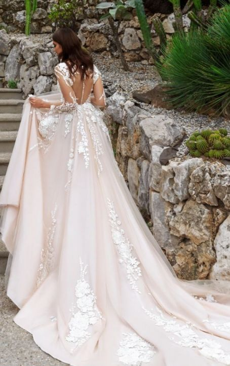 Hochzeit - Wedding Dress Inspiration - Crystal Design