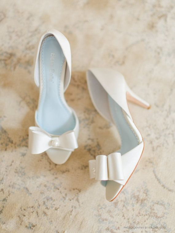 Mariage - Pearl And Bows Ivory Wedding Shoes, Silk Bridal D'orsay Peep Toe Pumps - Vintage Like - Bella Belle Julia