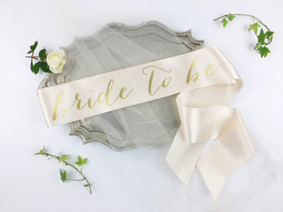 Hochzeit - Bride to Be Sash - Bachelorette Sash - Bridal Party- Bridal Shower Bachelorette Party Accessory - Satin Bride Sash - Bride Gift - Bride Sash