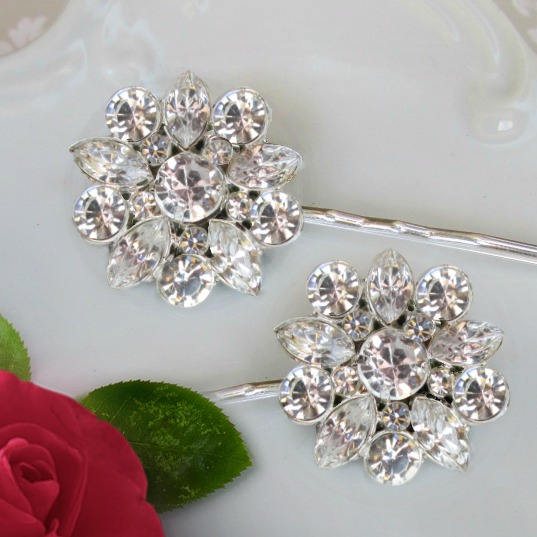 Свадьба - 2 Wedding Hair Pins, Crystal bobby pins, Bridal Accessories, silver hair clips, wedding hair piece, rhinestone hair pins, Bridesmaids gifts - $25.00 USD