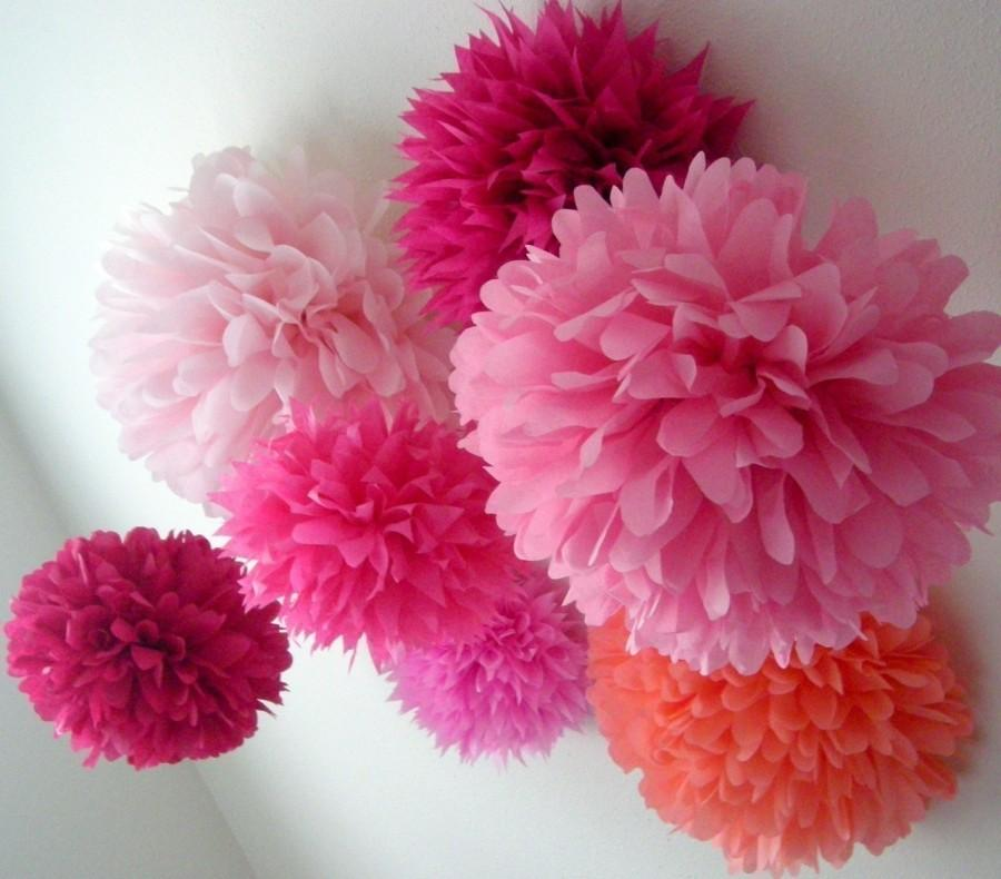 Mariage - PINKS / 10 tissue paper poms / diy / wedding decorations / birthday party decorations / paper pompom / princess theme / pink decorations