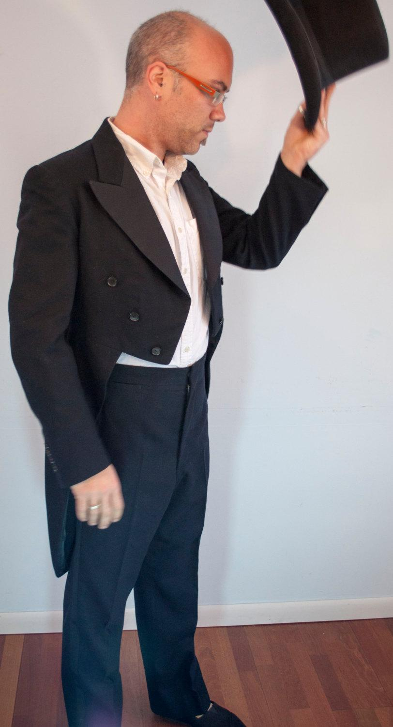 Свадьба - Vintage 1940s hand tailored black wool tuxedo