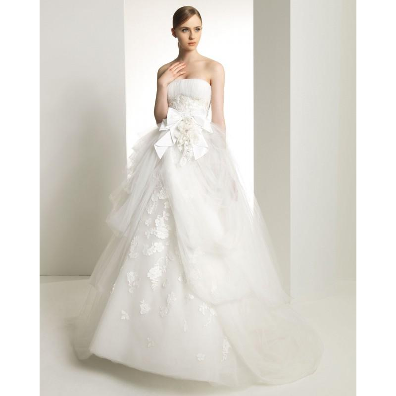 Wedding - Charming A-line Strapless Lace Hand Made Flowers Sweep/Brush Train Tulle Wedding Dresses - Dressesular.com