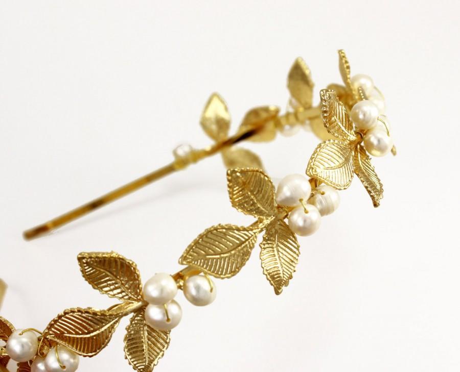 Свадьба - Gold Bridal tiara Bridal headband Wedding hair accessories Freshwater Pearls or Swarovski pearls Bridesmaids headband Flower girl head band