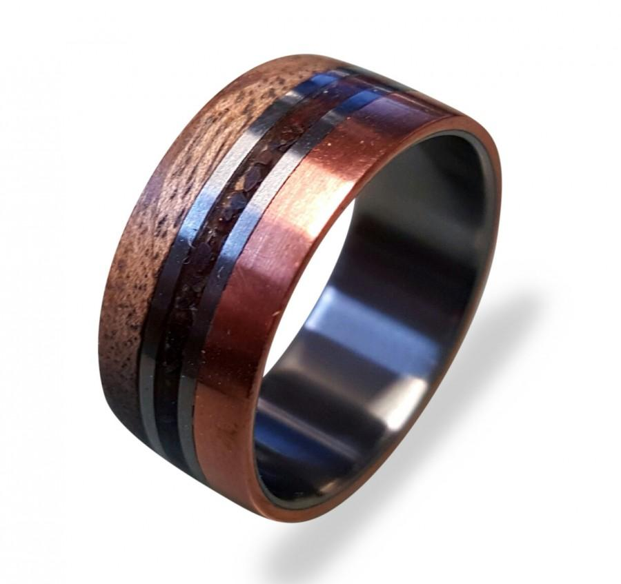 Свадьба - Titanium Ring with Copper and Oak wood and Dinosaur Fossil Inlays