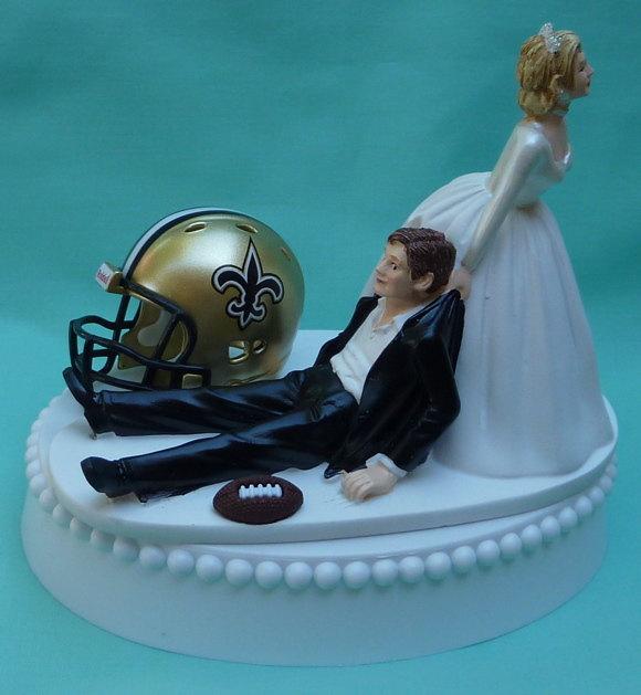 زفاف - Wedding Cake Topper New Orleans Saints Football Themed w/ Garter N.O. Sports Fans Bride and Groom Humorous Funny Unique Reception Gift Idea