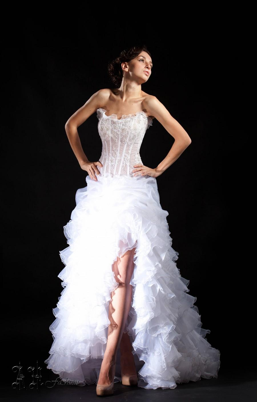 Mariage - Slit A-line Wedding Dress. Ruffle Bridal Dress. Strapless Wedding Dress With a Train.  Lace Corset.
