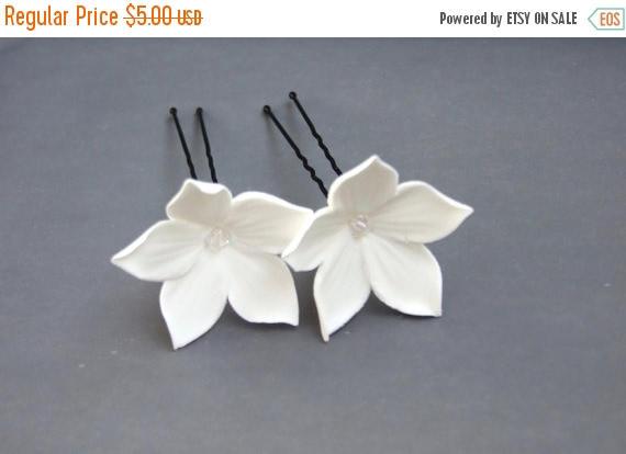 Hochzeit - 25% OFF Wedding accessories, bridal hair pin, white flowers with Swarovski crystals