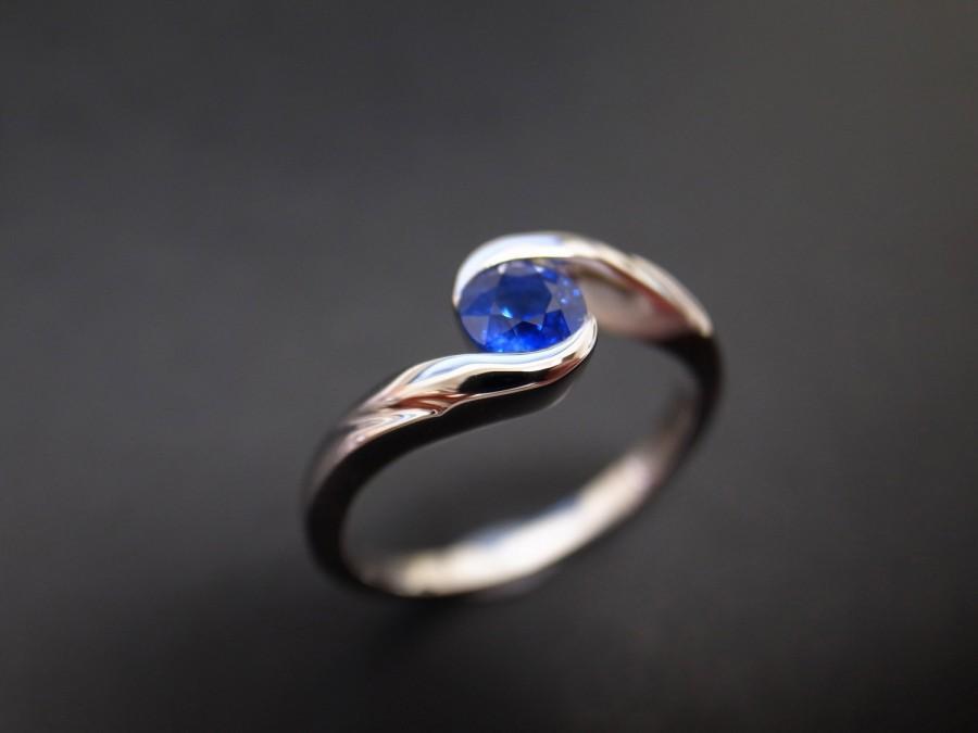 زفاف - Classic Blue Sapphire Engagement Ring in 14K White Gold, Blue Sapphire Ring, Blue Sapphire Band, Solitaire Engagement Ring, Solitaire Ring