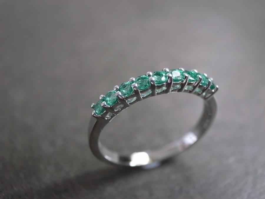 زفاف - Emerald Wedding Ring in 14 White Gold, Wedding Band, Emerald Ring, Emerald Engagement Ring, Thin Classic Wedding Band, Emerald Jewelry