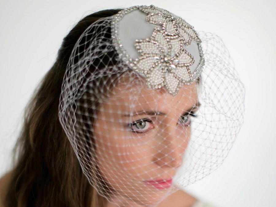 Свадьба - Bridal Cocktail Hat, Wedding Headpiece, Fascinator, Rhinestone Cap with Veil. Style No.4116