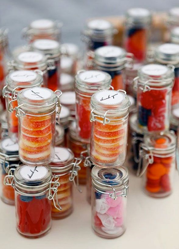 16 cheap but unforgettable wedding favor ideas for your wedding day 16 cheap but unforgettable wedding favor ideas for your wedding day junglespirit Choice Image