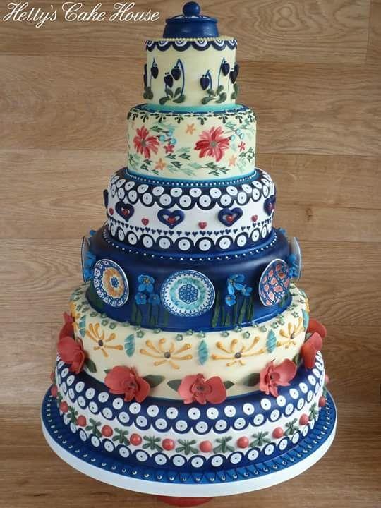Pottery Inspired Wedding Cake