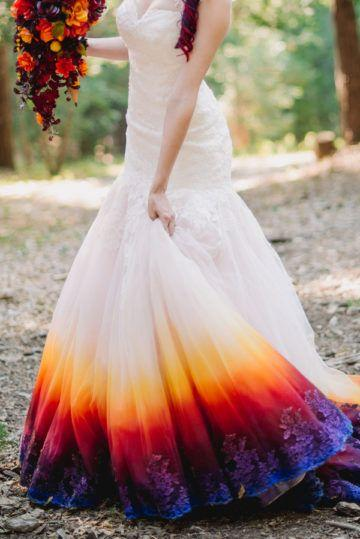 Свадьба - A Woodsy Summer Wedding Inspired By Colors Of The Sunset & Night Sky
