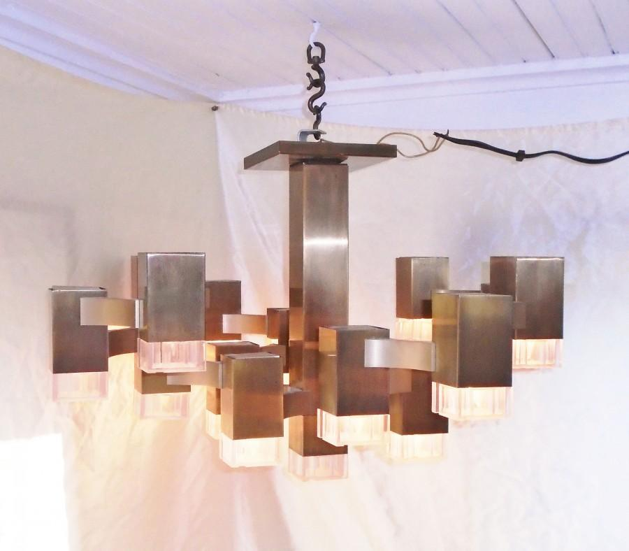 Hochzeit - Vintage Lightolier Gaetano Sciolari Cubic 16 Bulb Chandelier Made in Italy~ 26 inch Square, 16 inches tall, 20 pounds
