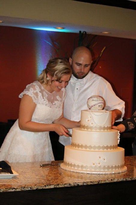 زفاف - Oleg Cassini CMK513 Size 8 Wedding Dress