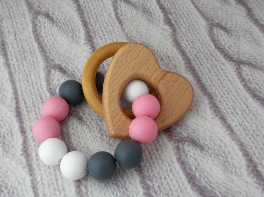 Mariage - Heart beads Crown wood teether ring bracelet, teething ring, Organic Baby, neutral teether Bracelet Sensory Toy for Teething, Chewelry