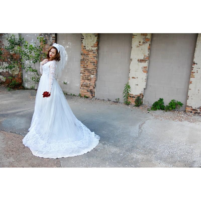 Свадьба - Vintage 1950s long sleeve wedding dress, sheer lace, train, white S SALE - Hand-made Beautiful Dresses