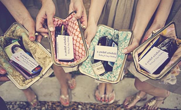 Wedding - custom : bridesmaids gifts, personalized clutches