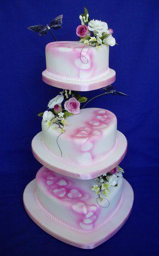 Hochzeit - Gentle Hearts Wedding Cake: WOW Cakes By Wendy Broadhead