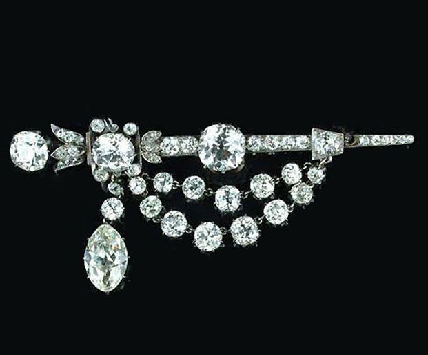 Wedding - Bonhams : A Late Victorian Diamond Brooch,