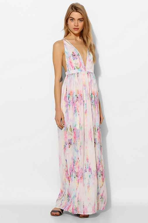 زفاف - Oh My Love Strappy Plunge Maxi Dress - Urban Outfitters