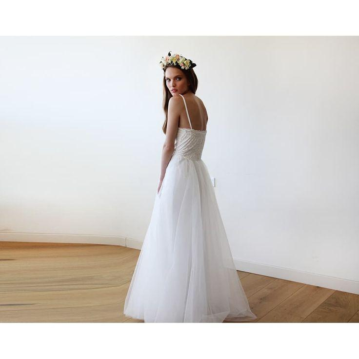 Mariage - Ivory Lace And Tulle Wedding Gown 1111
