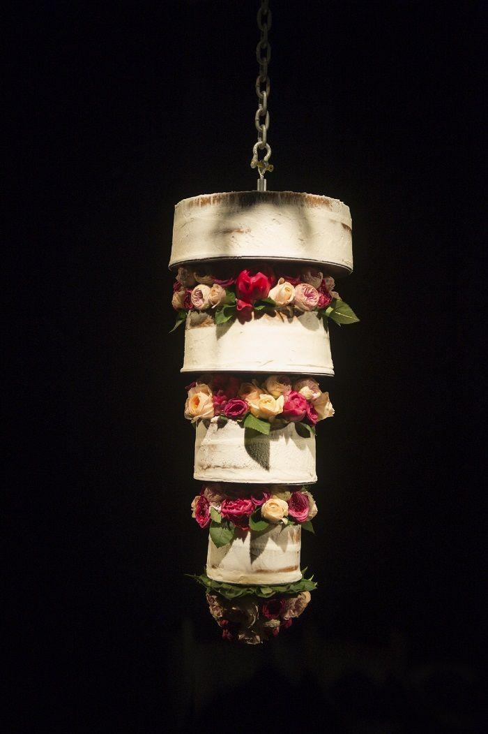 زفاف - Upside Down Half Naked Wedding Cake