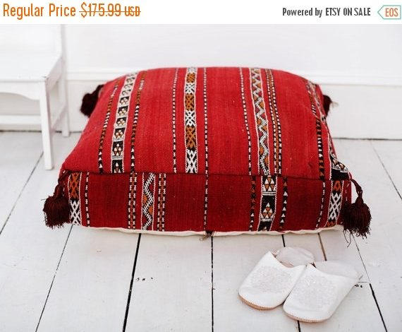 Свадьба - SPRING 30% OFF SALE /// 23''x23'' x 7'' Tribal Vintage Moroccan pouf, Red Berber pouffe, Floor cushion, Moroccan pouf, Floor pouf, Square Po